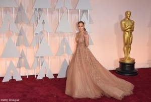 We love JLo's look at the Oscars!