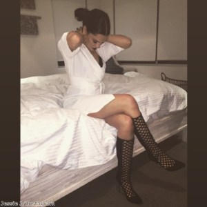 Jessie J is a vision in stunning white dress