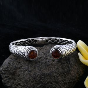 Amber cabochon bangle at TJC