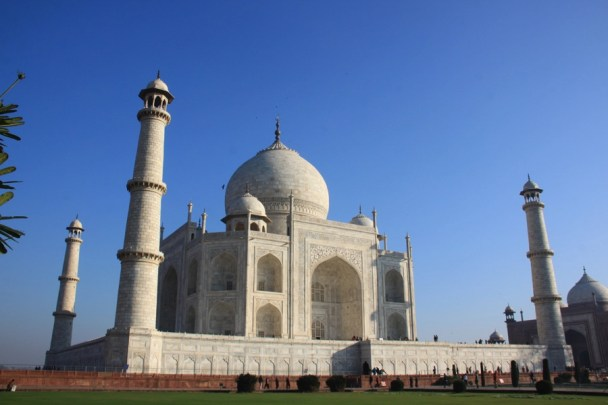 Another view of the magnificent Taj Mahal.