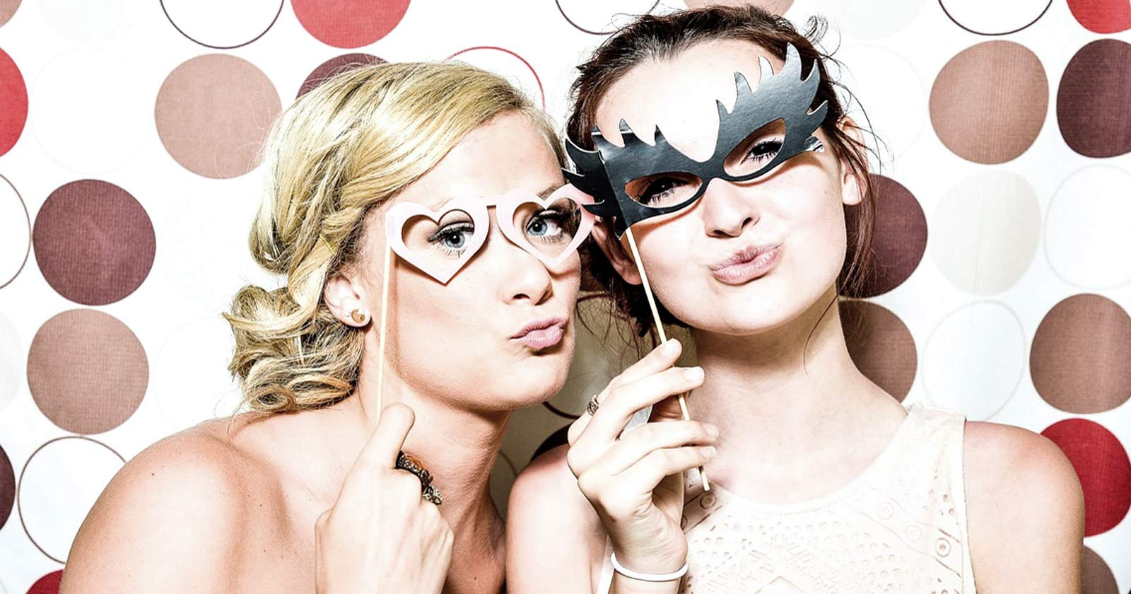 Event Photo Booth Ideas A Social Wall To Spice Up Your Event