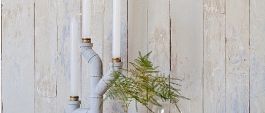 Faux Wood Wallpaper for a Beach Inspired Interior Design R2592