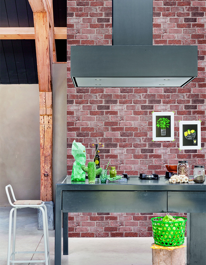 Faux brick adds dimension and definition to a space and is one of our absolute favourite wallpapers for designing feature walls. Marsala Running Brick (R2587) is a combination of gorgeous tints of red brick laid together in a new approach to feature wallpaper.