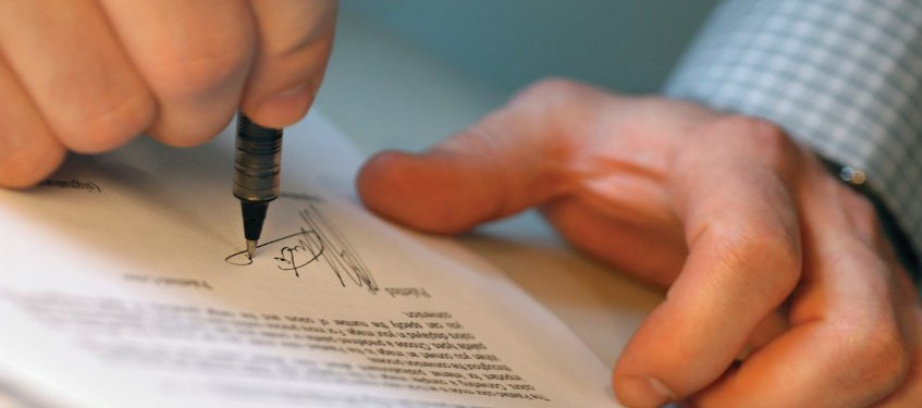 8 Contract Clauses You Should Freelance With