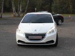 Peugeot 208 HYbrid FE (17)
