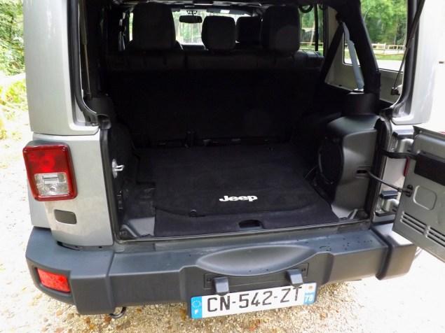 essai jeep wrangler 2 8 crd unlimited le roi de la. Black Bedroom Furniture Sets. Home Design Ideas