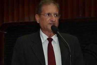 Hervázio diz Renato Martins um alienígena que desceu na PB e se elegeu vereador