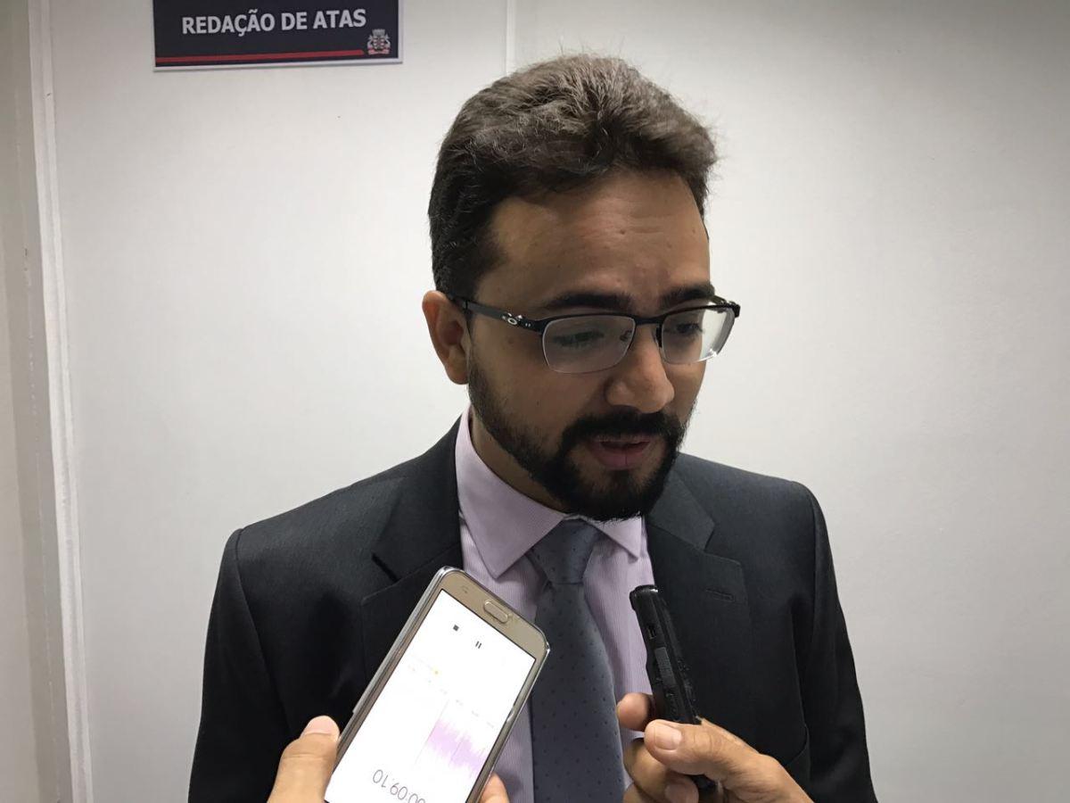 """""""Não acredito que possa ser punido por resgatar a história do PSB"""", afirma Tibério"""