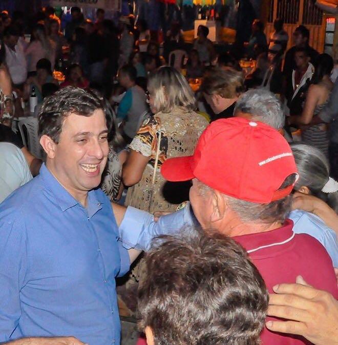 Gervásio participa de abertura do São João no Vale do Piancó e concede entrevistas