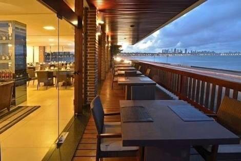 """BASTIDORES: """"Zé Lezin"""" e deputado discutem em restaurante na capital"""