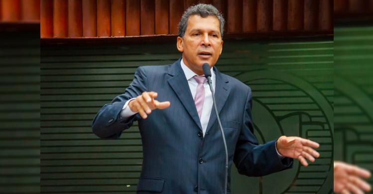 """""""Cássio mentiu em três horas mais do que realizou em toda vida pública"""", diz deputado"""