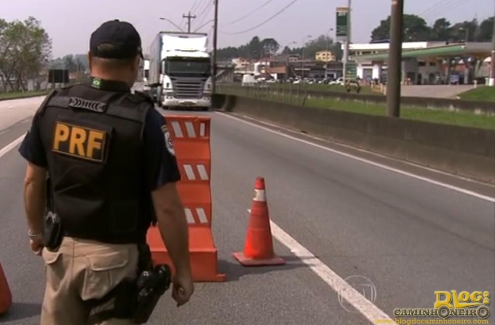 Caminhões serão proibidos de circular em feriados de 2016 nas rodovias federais