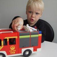 Brandstation och brandbil med ljud & ljus