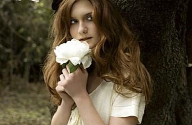 Bonnie Wright Bella