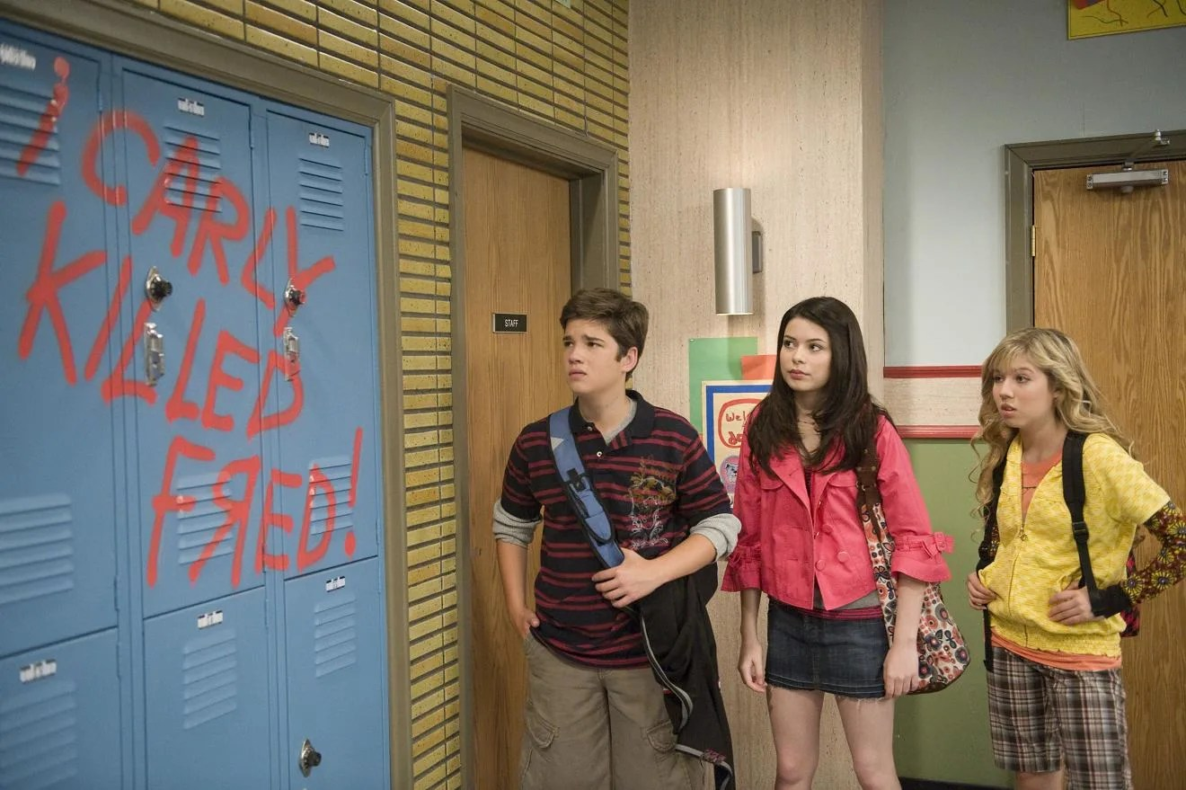 Selena Gomez Hd Wallpapers For Mobile Miranda Cosgrove Icarly Season 2 Ilook Alike Stills