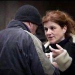 Adott a hajléktalannak egy szelet PIZZÁT… de szinte elájult, amikor megtudta, hogy ki ez a férfi!