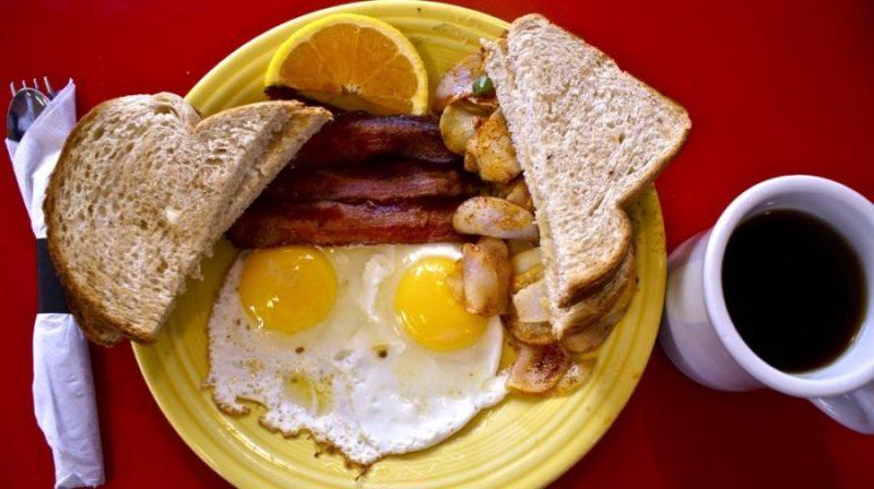 fogyni-akarsz-akkor-felejtsd-el-a-reggelit-mondja-a-dietetikus-900x504