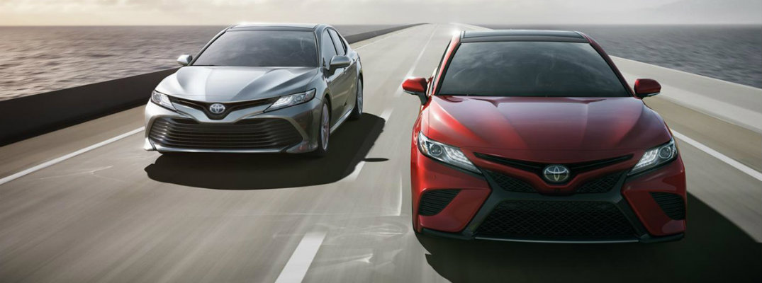 2018 Toyota Camry fuel economy rating and maximum highway driving range