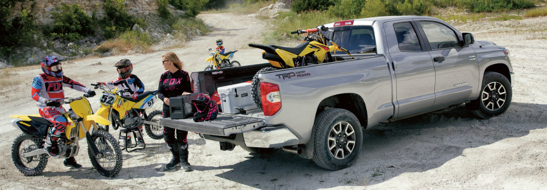 What are the towing and payload capacities of the 2018 Toyota Tundra?