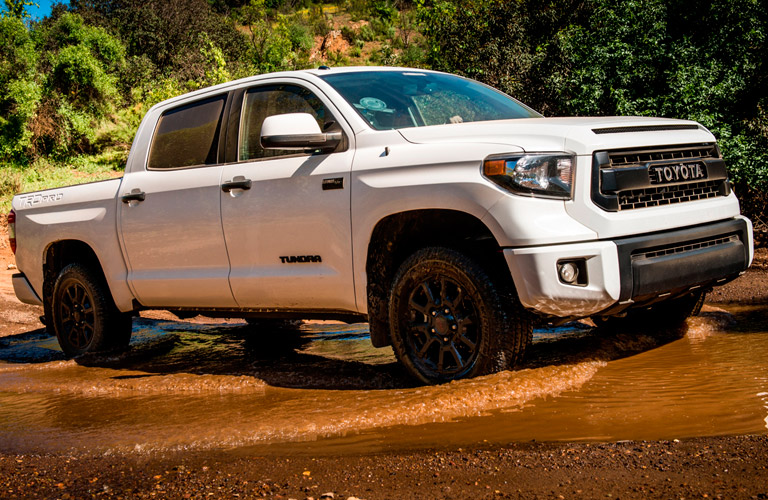 What is the 2017 Toyota Tundra\u0027s Towing Capacity?