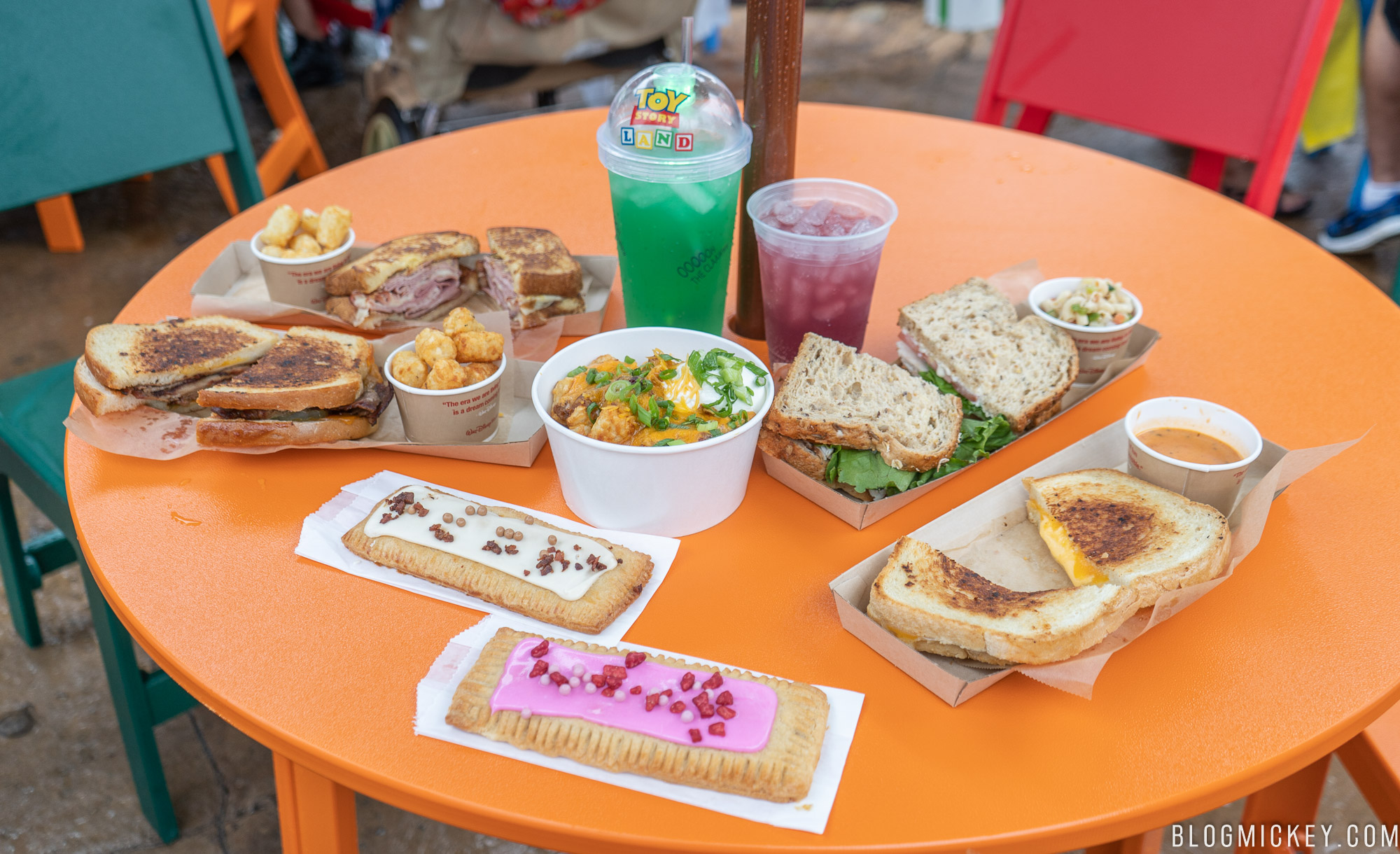 Lunch In A Box Review Breakfast Lunch And Dinner At Woody S Lunch Box In Toy