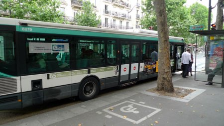 Bus_RATP_accessible_handicapé_Jean-Louis-Zimmermann