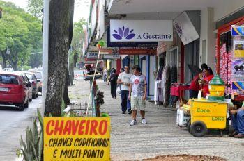 Governador sanciona lei que permite abertura do com�rcio aos domingos