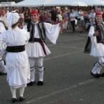 En Grecia, bailar hace bien al corazón