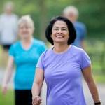 Con 10 minutos de caminata por día, mujeres mayores pueden combatir sedentarismo