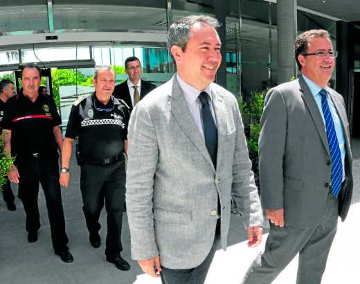 Espadas visita la jefatura de la policia local Lugar: Espacio La Ranilla,