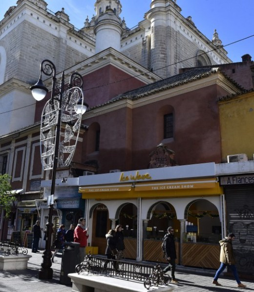 Fotos de la Plaza del Pan y sus nuevos locales comerciales