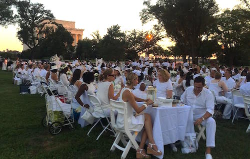 Hundreds gathered near the National Mall Saturday night for the Dîner en Blanc. Victoria Sheridan | Hatchet staff photographer