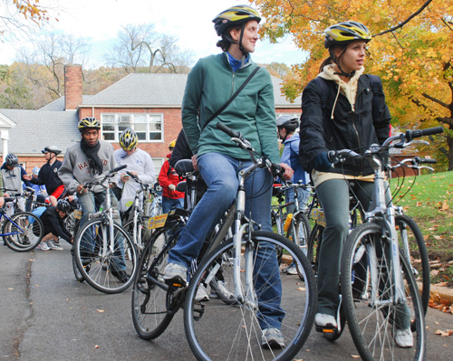 Riders prepare to depart for the annual Mount Vernon to Mount Vernon bike tour Saturday afternoon. Becky Crowder/Hatchet photographer