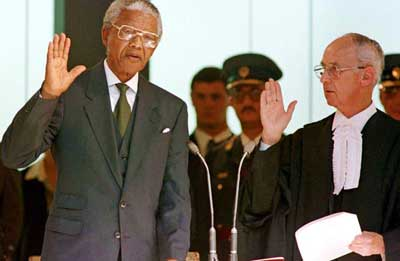 Mandela-sworn-in