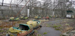 Protective shelter going up over site of Chernobyl nuclear disaster