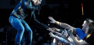 3 Doors Down and Daughtry perform at Peoria Civic Center