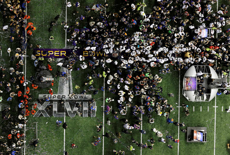 The Baltimore Ravens celebrate their 34-31 win against the San Francisco 49ers in the NFL Super Bowl XLVII football game Sunday, Feb. 3, 2013, in New Orleans. (AP Photo/Tim Donnelly)