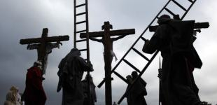 Images of Holy Week from around the world