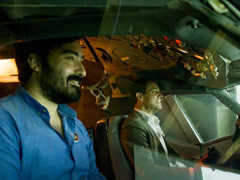 A-bordo-del-simulador-de-vuelo