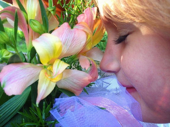 Why Do Flowers Smell Good? | Smart News | Smithsonian