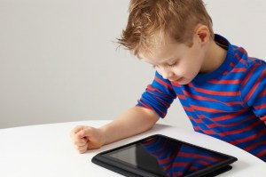 toddler-with-tablet