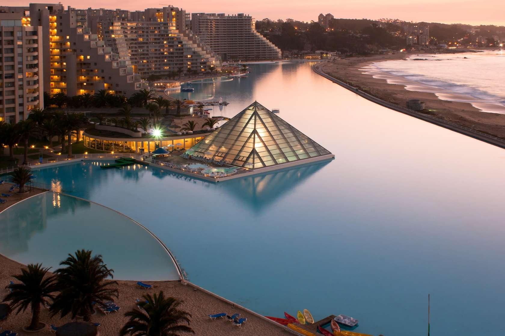 la plus grande piscine vacances du monde. Black Bedroom Furniture Sets. Home Design Ideas