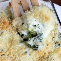 Super Cheesy Broccoli Au Gratin Casserole #QuickFixCasseroles