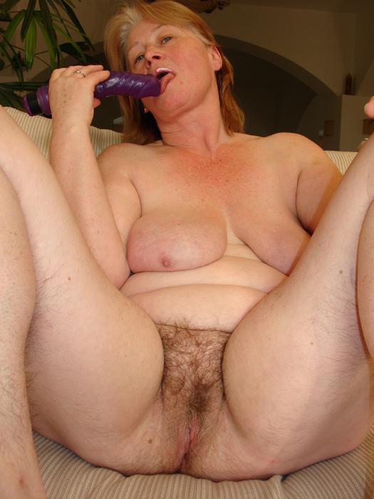 chubby mature hairy big clit