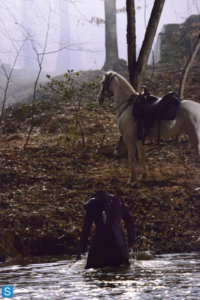 Sleepy Hollow – Episode 1.01 – Pilot – Full Set of Promotional Photos (6)_FULL