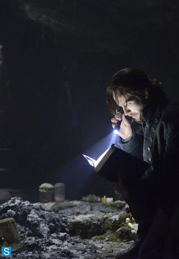 Sleepy Hollow – Episode 1.01 – Pilot – Full Set of Promotional Photos (7)_FULL