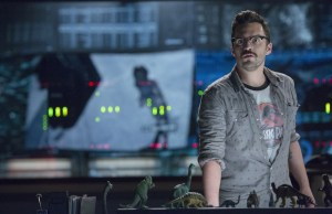 la-et-hc-jurassic-world-jake-johnson-20150610