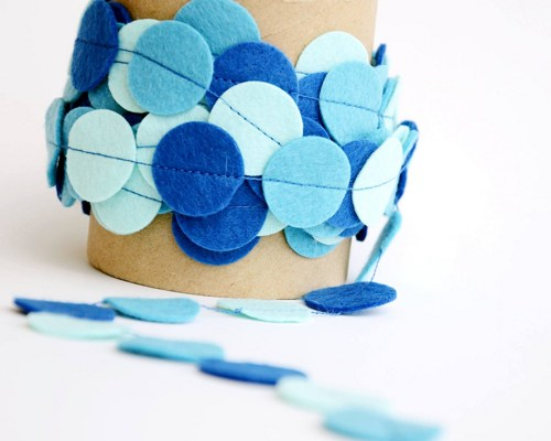 Blue ombre party garland