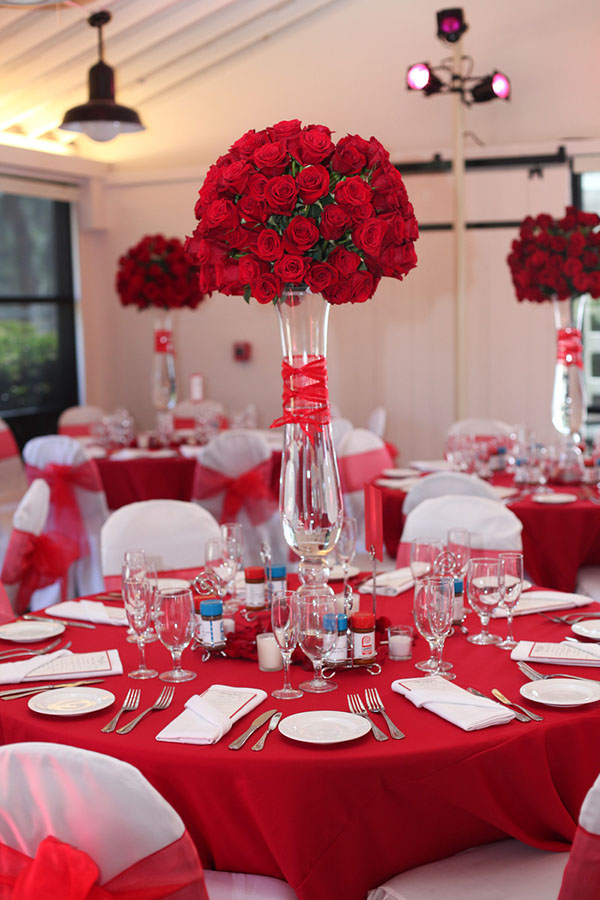 Dekoration Rot Gorgeous Tall Red Rose Centerpiece Inspiration- B. Lovely