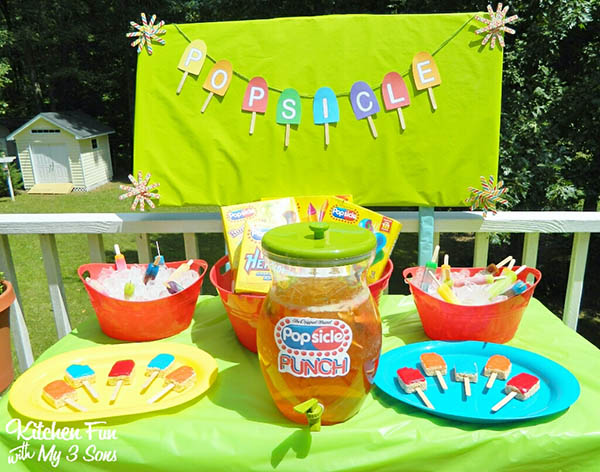 Love this cute popsicle party!